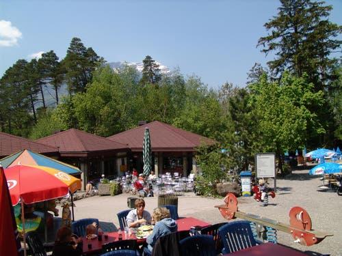 1986 wurde das Inselrestaurant eröffnet, nachdem es wegen der Alkohollizenz jahrelange Streitigkeiten mit den umliegenden Beizern gegeben hatte. (Bild: pd / Tierpark Goldau)