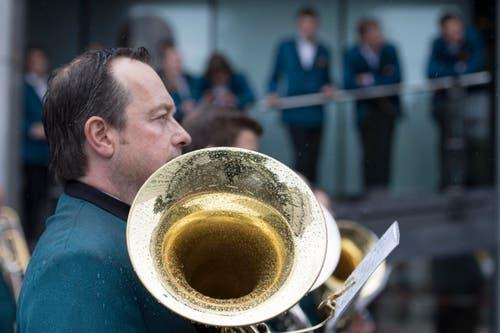 Die Harmonie Rohrdorf während ihrer Parade. (Bild: LAURENT GILLIERON)