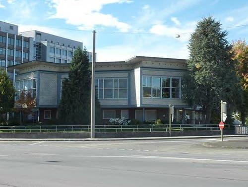 Der ehemalige Personalrestaurant-Pavillon auf dem Schindler-Areal (im Vordergrund, früher Wohlfahrtshaus genannt). (Bild: PD)