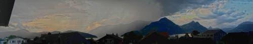Gewitterfront in Beckenried (Bild: Regula Aeppli)