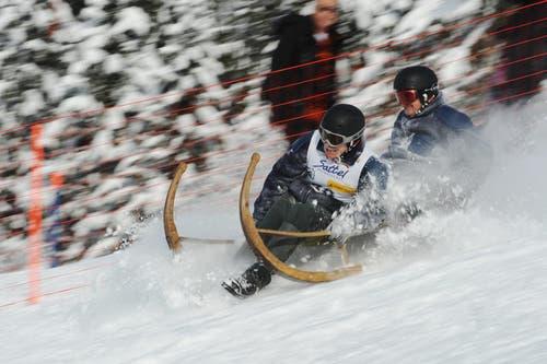 12.01.2013: Andreas und Urs Brechbühler am Horämänelrennen auf Sattel. (Bild: Boris Bürgisser / Neue LZ)