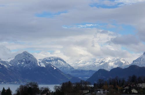 Luzern mit Blick Richtung Alpen (Bild: Georgette Baumgartner-Krieg)