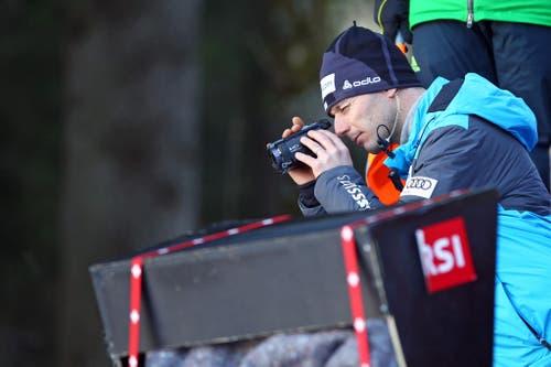 Martin Künzle, Trainer der Schweizer, beobachtet den Wettkampf. (Bild: Philipp Schmidli (Neue Luzerner Zeitung))