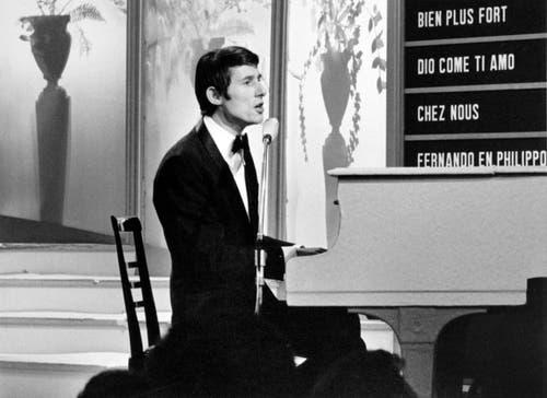 'Merci, Cherie' gesungen am Grand Prix de la Chanson für Luxembourg, am 5. März 1966. (Bild: Keystone)
