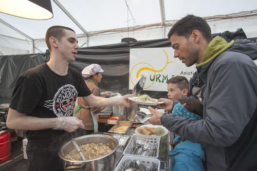 Immer eine Anlaufstelle für hungrige SMT-Besucher: die Foodzone. (Bild: André A. Niederberger (Neue NZ))