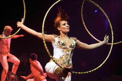 Programm 2012: Das Circus Theater Bingo aus der Ukraine verführt das Publikum mit einem bunten Potpourri von Akrobatik in das Zirkusuniversum. (Bild: PD)