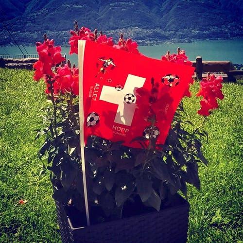 Hopp Schwiiz Fahne auf Locarno - Cardada (Bild: von Allmen Paul)