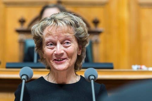 Bundesrätin Eveline Widmer-Schlumpf verabschiedet sich an der Sitzung der Vereinigten Bundesversammlung. (Bild: LUKAS LEHMANN)