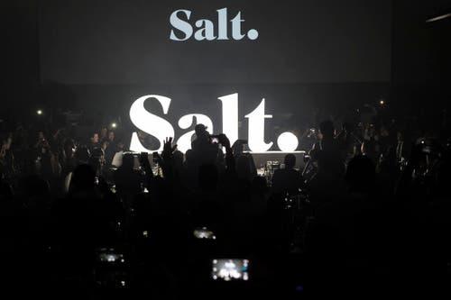 23. April: Ein Telecom-Anbieter setzt auf Gewürz statt Farbe: «Orange» heisst neu «Salt». (Bild: Keystone / Ennio Leanza)