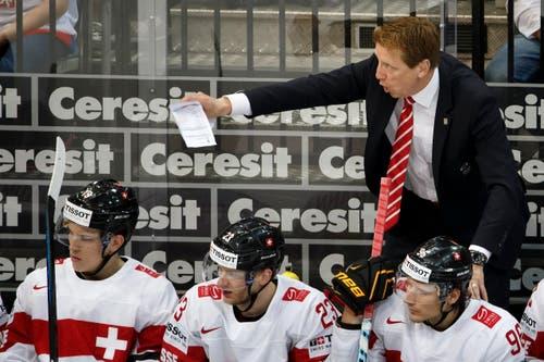 Glen Hanlon, Trainer des Schweizer Teams instruiert seine Spieler. (Bild: SALVATORE DI NOLFI)