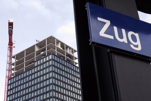 28. August 2013: Der Park Tower in Zug gibt zu reden. Im höchsten Gebäude der Stadt war man sich gar nicht einig, wie das oberste Stockwerk genutzt werden soll. (Bild: Werner Schelbert / Neue ZZ)