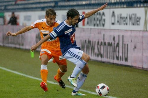 Der Zuercher Numa Lavanchy, links, im Spiel gegen den Luzerner Jahmir Hyka, rechts. (Bild: KEYSTONE/Alexandra Wey)