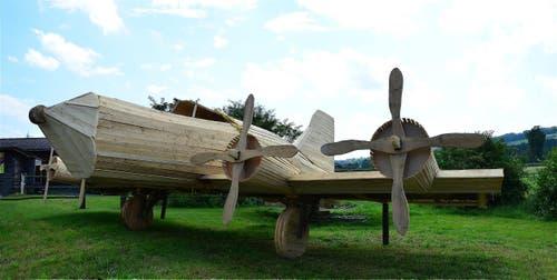 Rollout von Wilihof auf den Flugplatz Triengen.Das Pendante zum PZ-24.Ein Nachbau des Amerikanischen B-17 Bombers. (Bild: Fischer Beat Schlierbach)