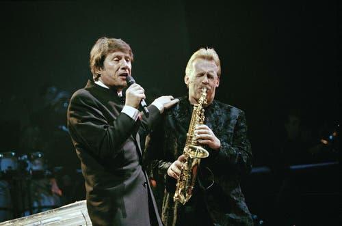 Udo Jürgens und Pepe Leinhard im Februar 1997 bei einem Konzert in Zürich. (Bild: Keystone)