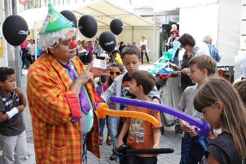 Ein Clown in Altdorf. (Bild: Elias Bricker / Neue UZ)