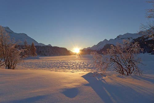 Platz 19 – 428 Gefällt mir: Silsersee im Engadin (5. Februar). (Bild: Leserin Michaela Sennhauser)