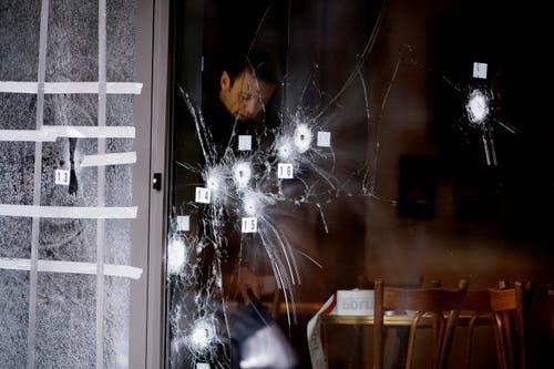 15. Februar: Ein 22-Jähriger erschiesst am Wochenende bei Angriffen auf ein Kulturzentrum und eine Synagoge zwei Menschen und verletzt fünf Polizisten. Danach wird er selbst von der Polizei erschossen. Der Täter hat einen kriminellen Hintergrund. (Bild: EPA / Liselotte Sabroe)