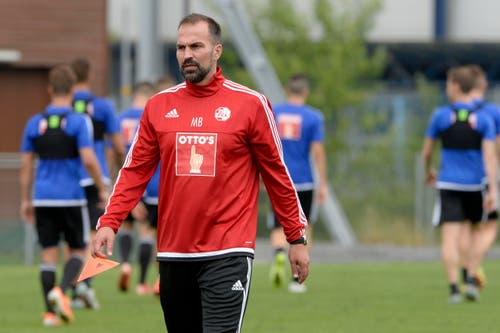 Markus Babbel, Trainer des FC Luzern, beim Trainingsstart am Dienstagmorgen. (Bild: Keystone / Urs Flüeler)