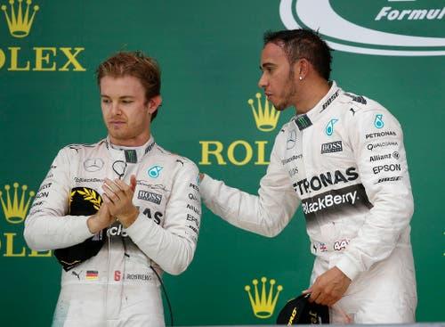 Lewis Hamilton (rechts) wird Formel-1-Weltmeister vor seinem Teamkollegen Nico Rosberg. (Bild: AP / John Locher)