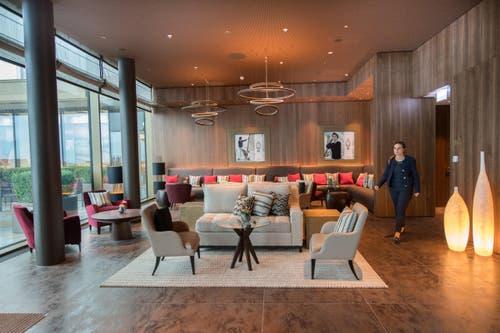 Blick in eine Lounge im Bürgenstock-Hotel. (Bild: Eveline Beerkircher)