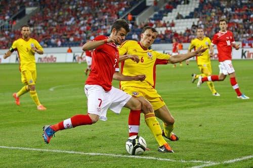 Tranquillo Barnetto (links) gegen Vlad Iulian Chiriches. (Bild: Philipp Schmidli / Neue LZ)