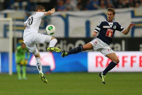 Luzerns Jérôme Thiesson (rechts) gegen Basels Fabian Frei. (Bild: Philipp Schmidli / Neue LZ)