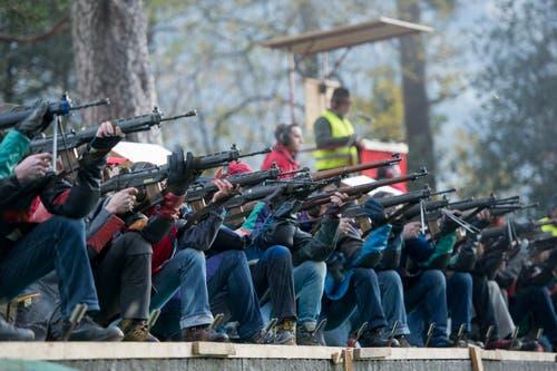 Am traditionellen Rütlischiessen haben am Mittwoch 1152 Schützen teilgenommen... (Bild: Keystone / Urs Flüeler)