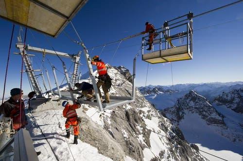 ...von der Bergstation Titlis Rotair zum Südwandfenster... (Bild: Keystone)