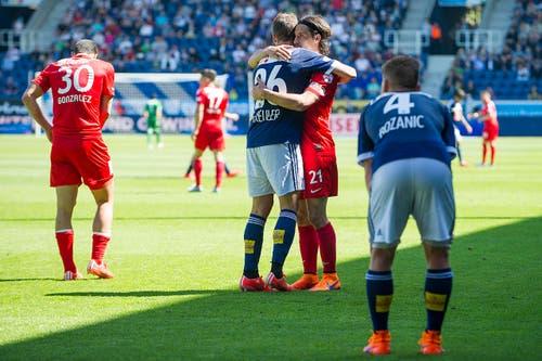 Kennen sich bestens: Luzerns Remo Freuler (links) und Thuns Nelson Ferreira nach dem Spiel. (Bild: Keystone)