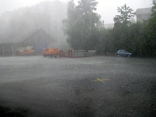 Auch in der Stadt Zug hagelte es. (Bild: FFZ)