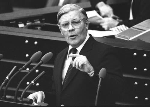 Kanzler Helmut Schmidt im Bundestag am 5. Februar 1982. (Bild: Keystone)