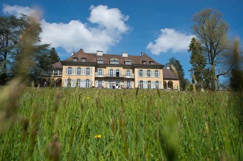 Die Villa von aussen. (Bild: Dominik Wunderli / Neue LZ)