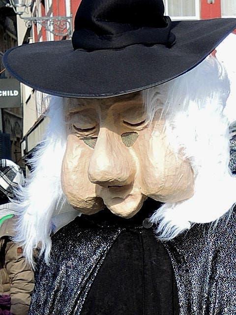 ein weiser alter Mann an der Luzerner Fasnacht (Bild: Rose-Marie Füglistaller)