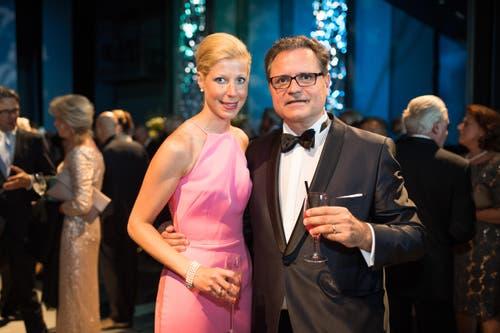 Michael Haefliger, Intendant des Lucerne Festival, und seine Partnerin Andrea Lötscher, die sich innert Kürze zur perfekten «First Lady» entwickelt hat. (Bild: Roger Grütter)