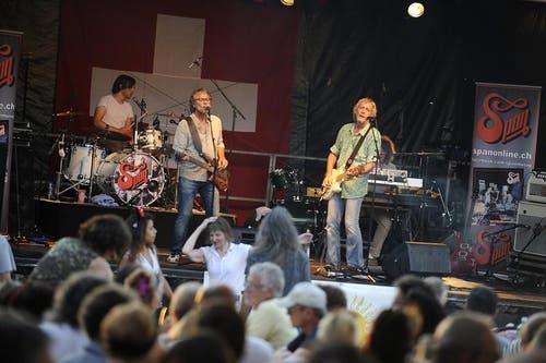 """Die Herren von """"Span"""" auf der Bühne an der 1. August-Feier in Zug am See. (Bild: Maria Schmid / Neue ZZ)"""
