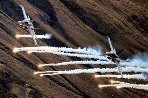 Auch die F/A 18 waren im Einsatz. (Bild: Philipp Schmidli/Neue LZ)