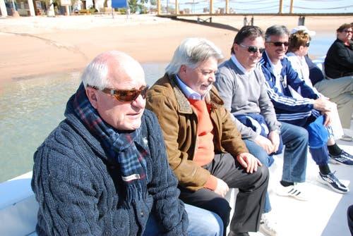 Walter Stierli mit den FCL-Investoren Ruedi Gillmann, Fredy Flükiger und Marco Sieber auf der Bootsfahrt durch El Gouna. (Bild: Daniel Wyrsch / Neue LZ)