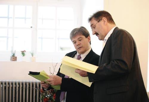 Alt Nationalrat Christoph von Rotz (SVP, rechts) schafft die Wahl in den Kantonsrat. (Bild: Corinne Glanzmann / Neue OZ)