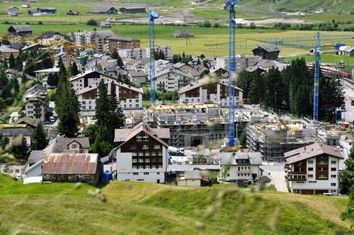 Baustellenrundgang am 8. Juli 2011 (Bild: Bruno Arnold/Neue UZ)