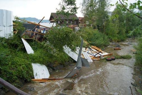 Schon wieder: Das Ägerital wurde von einem starken Gewitter getroffen. (Bild: Zuger Polizei)