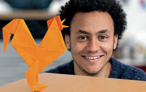 6. März: Er hat den Güggel für das Plakat der Luga 2014 mitentworfen: Der Luzerner Falt-Künstler Sipho Mabona. (Bild: Luga)