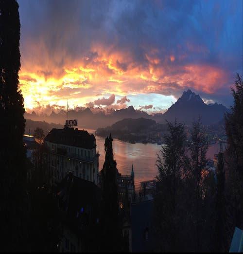 Sonnenaufgang in Luzern (Bild: Yannick Bossert)