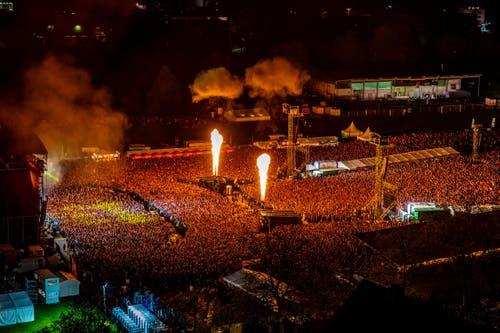 Die Rammstein Show am Samstag am Allmend Rockt. (Bild: Philipp Schmidli)