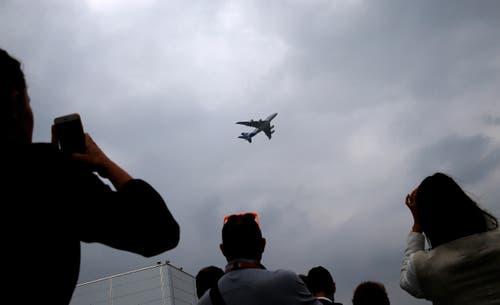 Die Flugschau zog Aviatik-Fans aus der ganzen Welt an. (Bild: Christophe Ena)