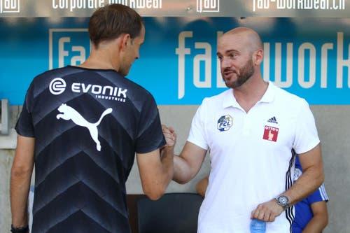 Luzerns Assistenztrainer Roland Vrabec (rechts) im Gespräch mit Borussia Dortmund-Trainer Thomas Tuchel. (Bild: Philipp Schmidli)