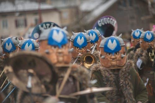 Auf dem Bild zu sehen sind die Latärneguugger Schötz. (Bild: Pius Amrein)