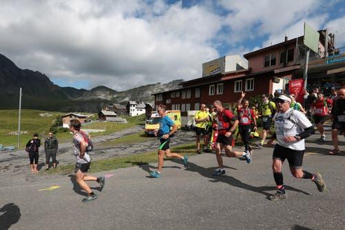 Der 6. Mountainman 2015 fotografiert auf der Melchsee-Frutt bei Obwalden am 25.07.2015. Start Marathon. (Bild: Roger Zbinden (Neue LZ))