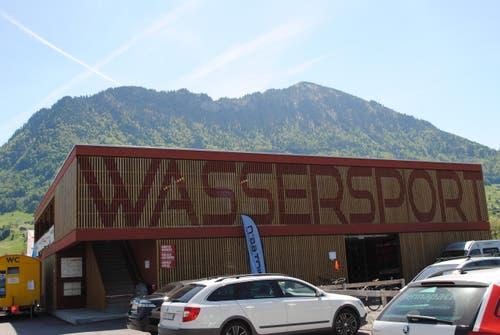 Aussenansicht des neuen Wassersportzentrums. (Bild: Rosmarie Berlinger)