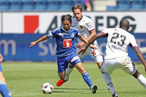 Luzerns Jahmir Hyka (links) gegen Basels Luca Zuffi (Bild: Philipp Schmidli)