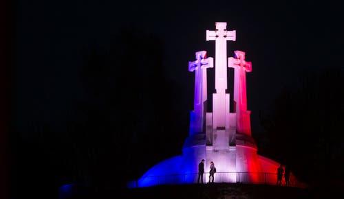 Das Monument der drei Kreuze in Vilnius. (Bild: Ap Photo/Mindaugas Kulbis)